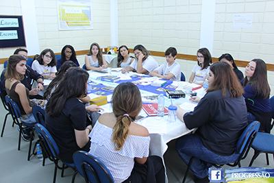 Projeto literário promove debate entre alunos