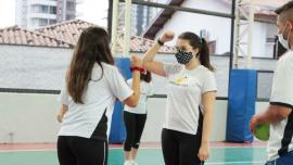 """Alunos do Ensino Médio participam da aula """"Práticas de Esporte e Saúde""""   Unidade Taubaté"""