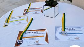 Estudantes recebem medalhas da Olimpíada Canguru de Matemática