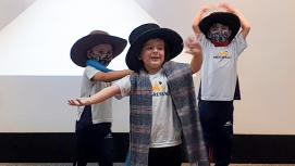Alunos do Programa Bilíngue do Hora Certa fazem apresentação musical | Unidade 2 – Taubaté